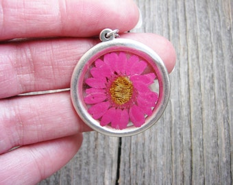 Daisy Necklace Pressed Flower Pink Botanical Resin Silver Minimalist Gardener Naturalist Bridal Nature Inspired Garden