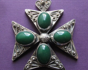 Maltese Cross 800 Silver Antique Pendant With Green Stones  SS08