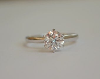 Rescue Sale - 14 K White Gold Engagement Ring with 1 Carat Diamond