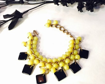 Circa 1940s Art Deco Retro 1940s Yellow Black Geometric Cha Cha Bib Bracelet Art Deco Jewelry
