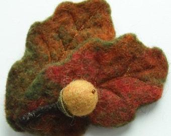 Oak Leaves and Acorn Brooch - Handmade Wool Felt