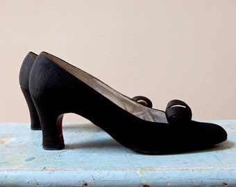 1950s Hill and Dale Pumps Black Satin Sculptured & Jeweled Vamp Quality American Made Shoes