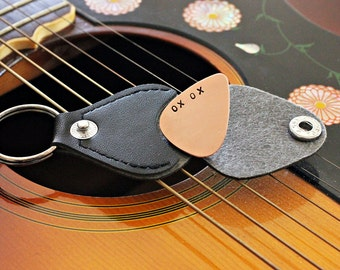 XO XO Copper Guitar Pick with Leather Key Chain Case - Guitar Pick Holder
