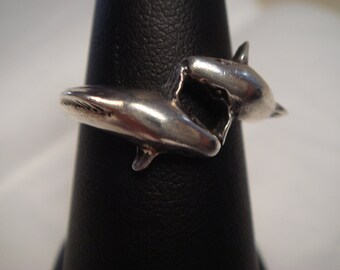 Vintage  1980's  dolphin design in  sterling silver ring size 7.75