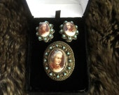 Vintage Romantic Era 3pc Painted Porcelain Cameo Pendant/Brooch & Earring Set in Gift Box