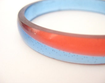 Red Blue Narrow Resin Bangle Jewelry , Glossy Bracelet Cuff diagonal geometric shape simple sophisticated sleek , contemporary jewellery