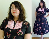 Plus Size Vintage Dress 1950s Swing Dress in Black with Pink Floral Pattern // Ruched Perfection // Size 16 XL