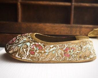 Vintage Brass and Enamel Shoe Ashtray / Hookah Lounge Style Bohemian Hippie Indian Boho / Slipper Ornate Rustic