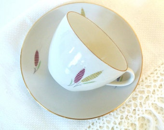 Mid-Century GKC (Poriellanfabrik, Gupeis, Kuhl & Co. A.G.)Porcelain China Tea Cup and Saucer-Listing is for ONE (1) Teacup and Saucer