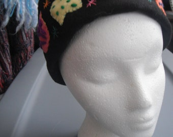 Felt Embroidered Pillbox Hat / Womens Fashions / Accessories