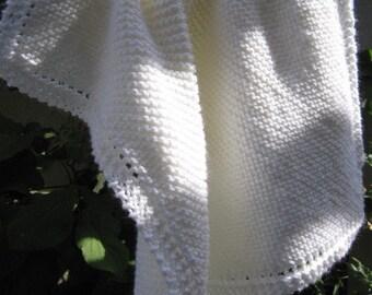 Knit baby blanket (white)