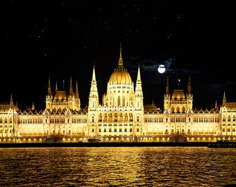 Europe, Budapest, Vintage Gold, Full Moon, Glamorous, Antique Gold - The Golden City
