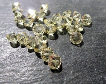 Czech Glass Bicone Beads 6mm VINTAGE Glass BEADS Twenty Five (25) Pale Yellow Faceted Crystal Spacer Rondelle Wedding Jewelry Supplies (Y80)
