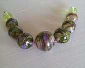 Happy fresh green lampwork beadset / SRA