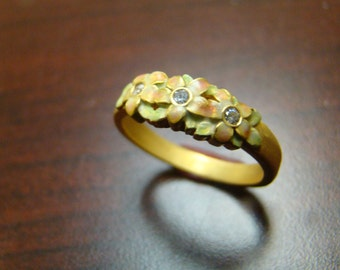 Exquisite Art Nouveau style 18k gold flower band with enamel and diamonds