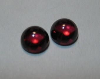 Rhodolite Garnet cabs  ......  approx 5 mm round x 3 mm tall  ... 2 pieces ...   B1689