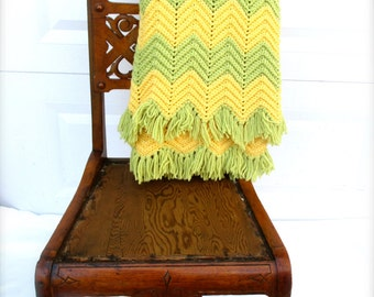 Vintage Blanket  Afghan Throw Chevron Pattern Blanket Geometric Pattern Throw Avocado Yello Color