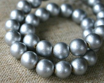 26pcs 15mm Wood Natural Metallic Silver Round Beads 16in Strand