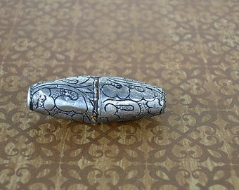 Tibetan Silver Repousee Bead, Swirly Pattern.  Antiqued Silver Metal  Old Beads, Trade Beads, Ethnic Beads, Jewelry Making, Collecting
