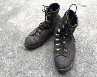 50s vintage Distressed Leather Browning Arms Co Sportsman's Boots | Mens 9 9.5 | Vintage Lace Up Hiking Work Hunting Boots shoes footwear