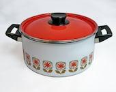 Mid Century Enamelware Covered Saucepan - Cooking Pot