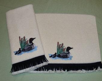 LOON Appliqued Fingertip Towels