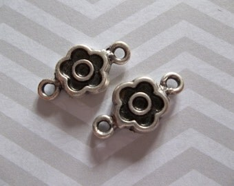 Silver Daisy Flower Connectors or Charms - Ethnic Earring Findings - Oxidized & Antiqued Silver Sterling Plated Pewter - Qty 6