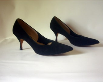 American Girl 1960's Soft Black Ultra Suede Pumps Size 7 AA Narrow