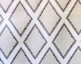 BROOKHAVEN oyster Geometric linen   by KRAVET grays on ivory