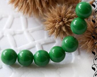 Czech Round Glass Beads 6 mm Green 20 pcs