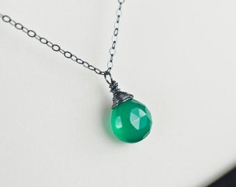 Green Onyx Oxidized Necklace, Green Onyx Briolette Necklace, Green Onyx Oxidized Sterling Silver Necklace, Modern Oxidized Silver Necklace