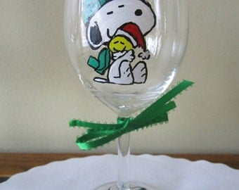 Hand Painted Glass Snoopy & Woodstock Christmas Wine Glass 10 oz