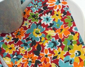 BOGO sale on now! Bright Red Siesta Vintage Style Floral Cloth Napkins // Set of 4