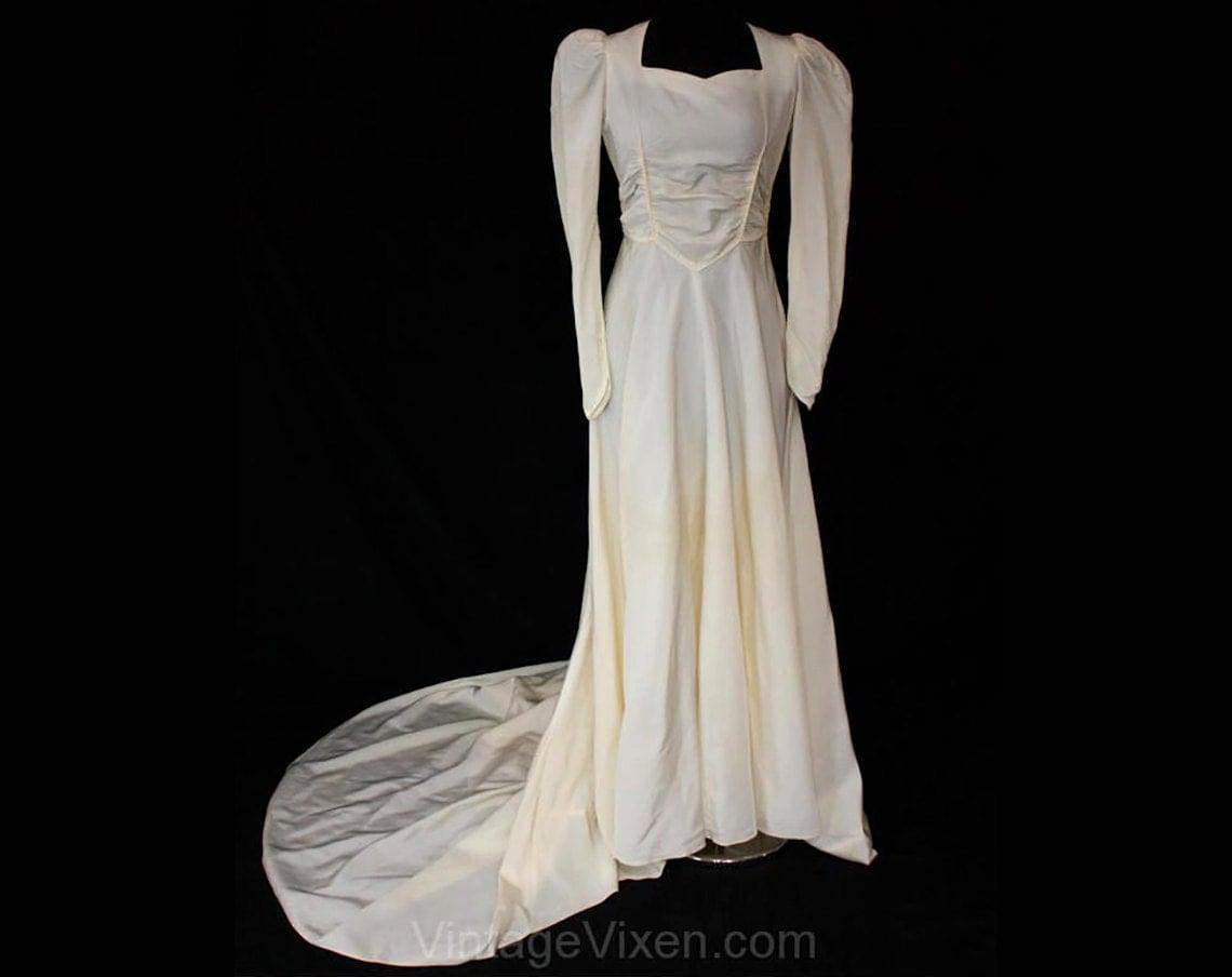 Size 8 1940s Wedding Dress WWII Era Ivory Taffeta Bridal