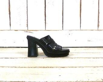 90s vintage black leather chunky platform clogs/open toe slip on club kid mule huarache sandals