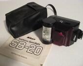 Nikon Speedlight SB-20 Electronic Flash For Nikon 35mm Camera  - Free Shipping