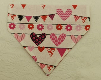 Penants of LOVE! Cute Red/Pink Clothes Line of Hearts Valentine Design Bandana! Dog Cat Ferret Reversible 2 in 1 Over the Collar Bandana.