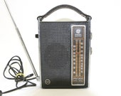 Vintage General Electric Transistor Radio, Electric or Battery Operated, AM and FM