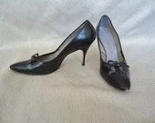 Black Leather BOW Vintage 1950's Womens Stilletto Pumps 8.5