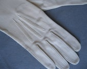 1950s Vintage Gloves - 50s Beige Stretch - Bridal Gloves - Sz 7