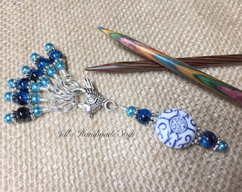 Knitting Stitch Markers with Beaded Holder- Snag Free Blue Stitch Marker Charm Jewelry- Gift for Knitters