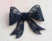 Freestanding Lace Hair Bow