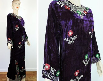 Vintage Caftan Dress Velvet with Embroidery 1960's  Free Shipping Flowers Embroidered Boho