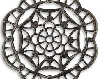 Vintaj Arte Metal Black 40mm Grand Kaleidoscope Filigree 3 pcs Natural Brass Embellishment Earrings Dangle Jewelry Findings Craft Supplies