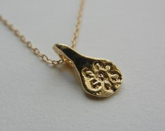 Blossoms and Love Necklace (Gold)