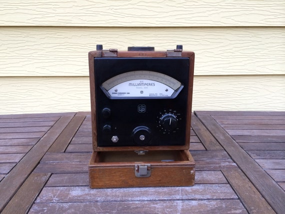 High Frequency Voltmeter : Vintage high frequency voltmeter