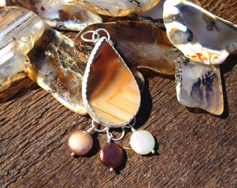 Montana Agate Sterling silver pendant with ombre pearls.   Bohemian jewelry, pearl pendant, ombre pendant