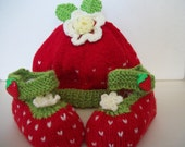 Strawberry's Knitted Baby Set 6 - 12 months