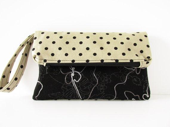 clutch bag beige and black with polka dots. Black Bedroom Furniture Sets. Home Design Ideas