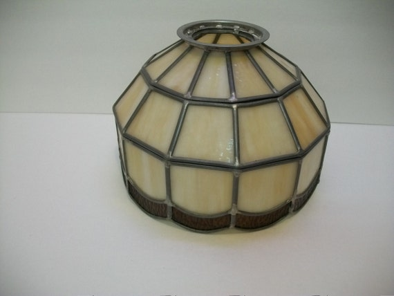 tiffany style stain glass lamp shade leaded glass lamp shade hanging. Black Bedroom Furniture Sets. Home Design Ideas